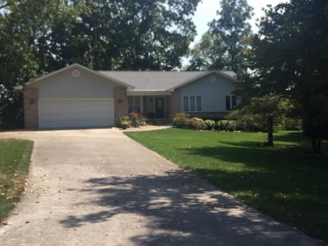 Частный односемейный дом для того Продажа на 145 Chatuga Drive Loudon, Теннесси 37774 Соединенные Штаты
