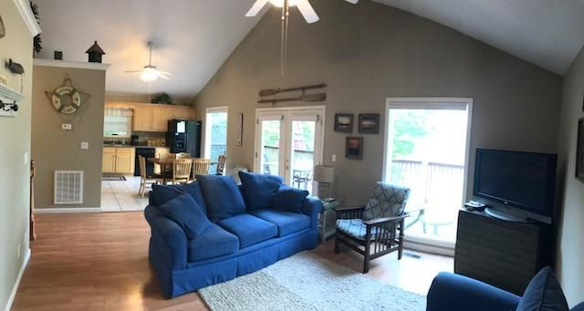 Additional photo for property listing at 762 Hiwassee Drive 762 Hiwassee Drive Jacksboro, Tennessee 37757 Estados Unidos