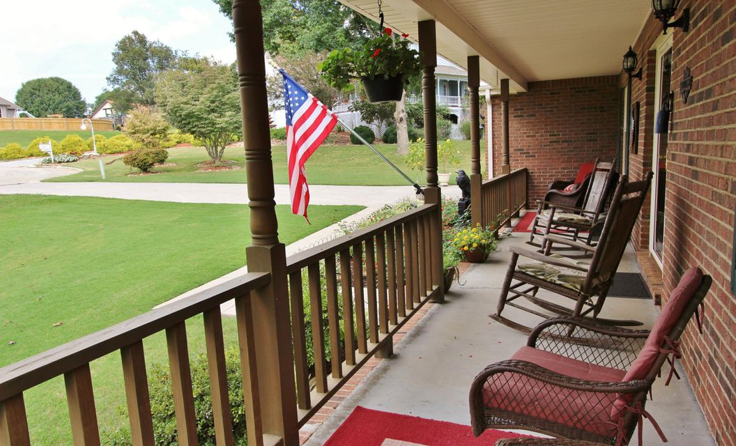 Additional photo for property listing at 7700 Tiffany Ann Court 7700 Tiffany Ann Court Knoxville, Tennessee 37938 United States