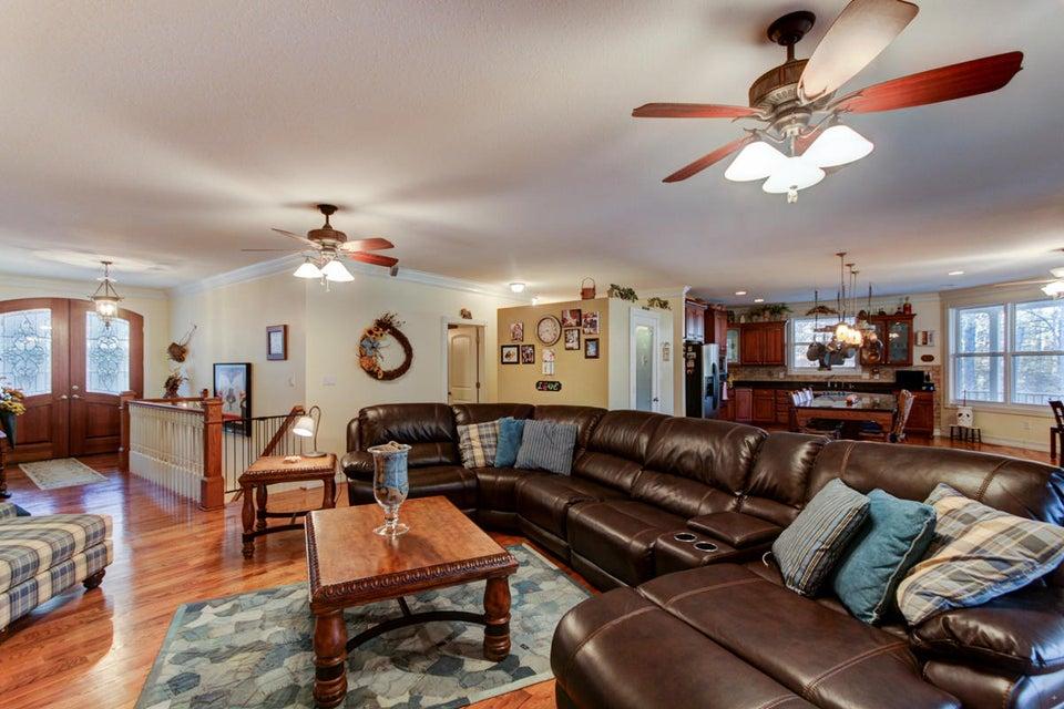 Additional photo for property listing at 860 Black Fox Harbor Road 860 Black Fox Harbor Road Washburn, Tennessee 37888 Estados Unidos