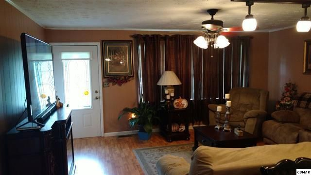 Additional photo for property listing at 491 Morris Street 491 Morris Street Newport, Tennessee 37821 États-Unis