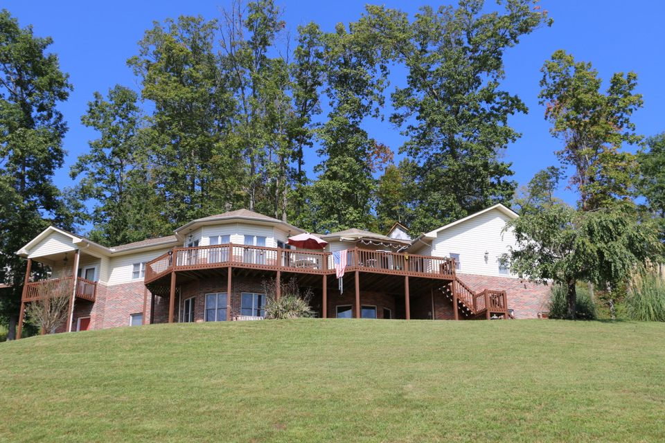 Additional photo for property listing at 223 Mountain Crest Drive 223 Mountain Crest Drive Lafollette, Tennessee 37766 États-Unis