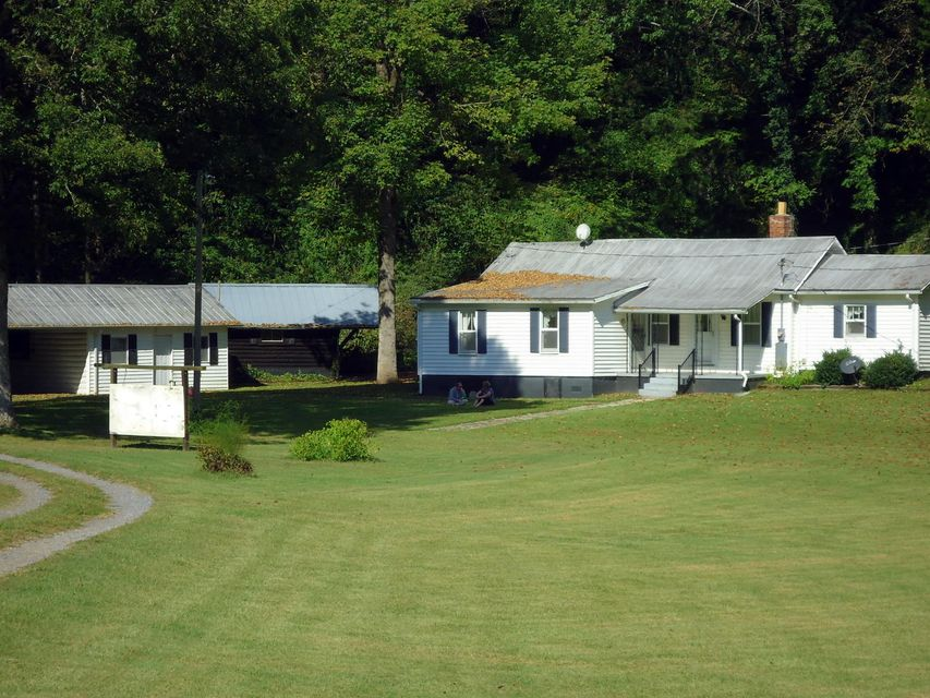 Single Family Home for Sale at 601 County Road 181 601 County Road 181 Decatur, Tennessee 37322 United States