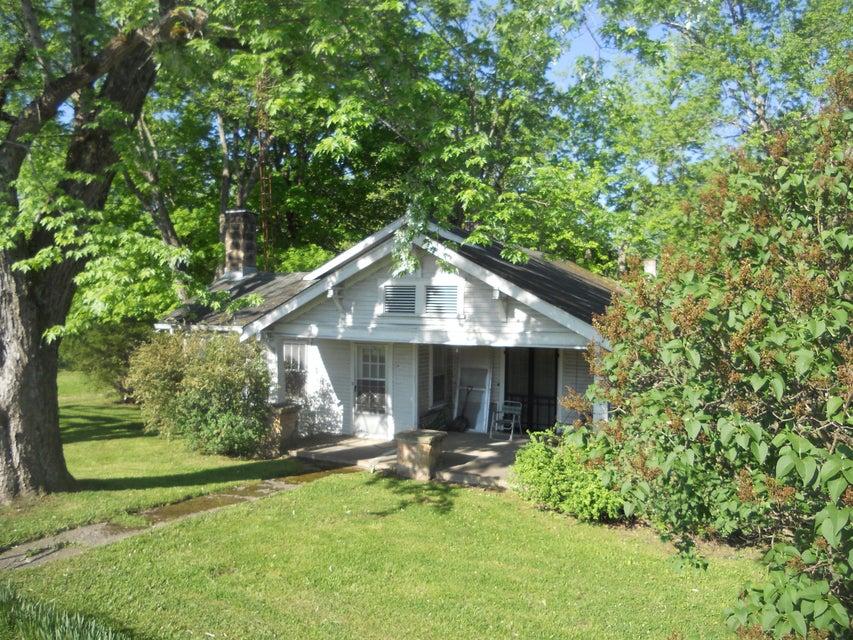 Частный односемейный дом для того Продажа на 449 N Main Street 449 N Main Street Jamestown, Теннесси 38556 Соединенные Штаты
