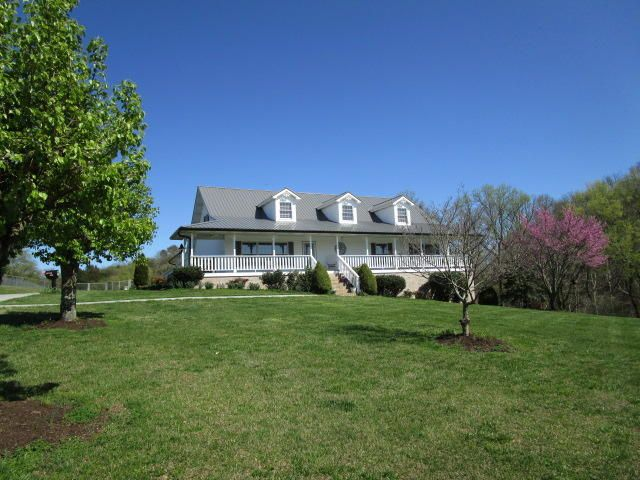 Single Family Home for Sale at 9632 Clift Road 9632 Clift Road Strawberry Plains, Tennessee 37871 United States