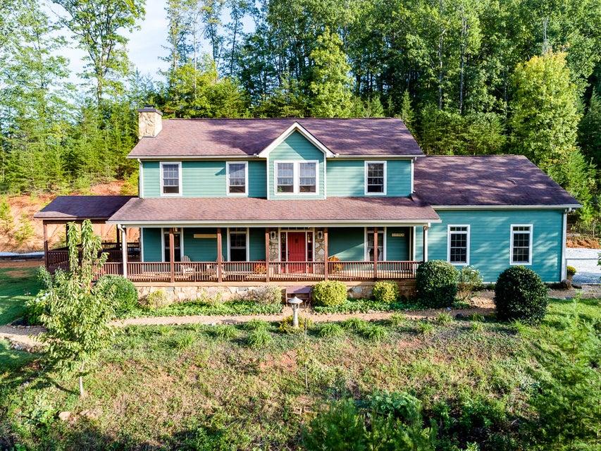 Maison unifamiliale pour l Vente à 105 Stonehenge Lane 105 Stonehenge Lane Tellico Plains, Tennessee 37385 États-Unis