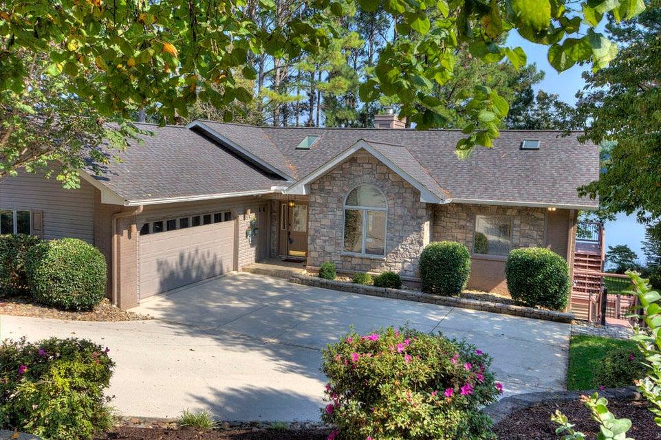 Частный односемейный дом для того Продажа на 309 Inagehi Lane 309 Inagehi Lane Loudon, Теннесси 37774 Соединенные Штаты