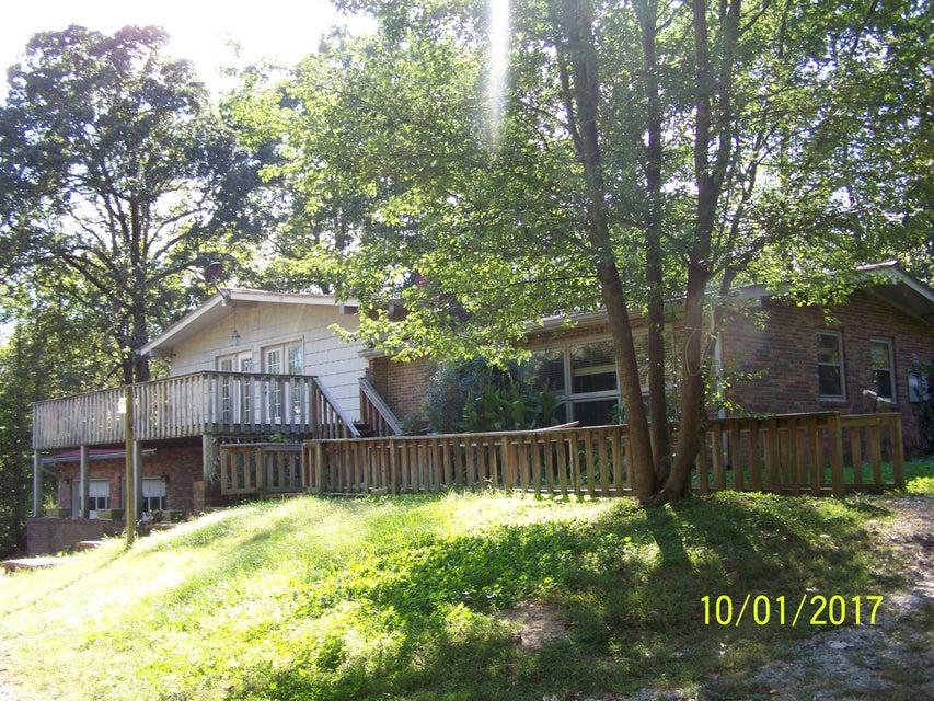 Maison unifamiliale pour l Vente à 155 Zollicoffer Road 155 Zollicoffer Road Livingston, Tennessee 38570 États-Unis
