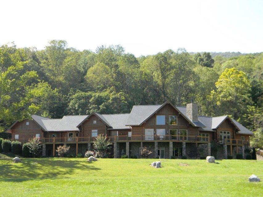 Casa Unifamiliar por un Venta en 838 Rickie Lane 838 Rickie Lane Crossville, Tennessee 38555 Estados Unidos