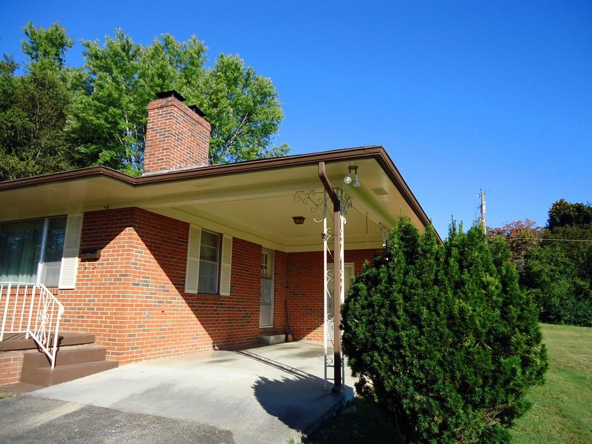 Additional photo for property listing at 230 Ridgecrest Drive 230 Ridgecrest Drive Madisonville, Tennessee 37354 États-Unis