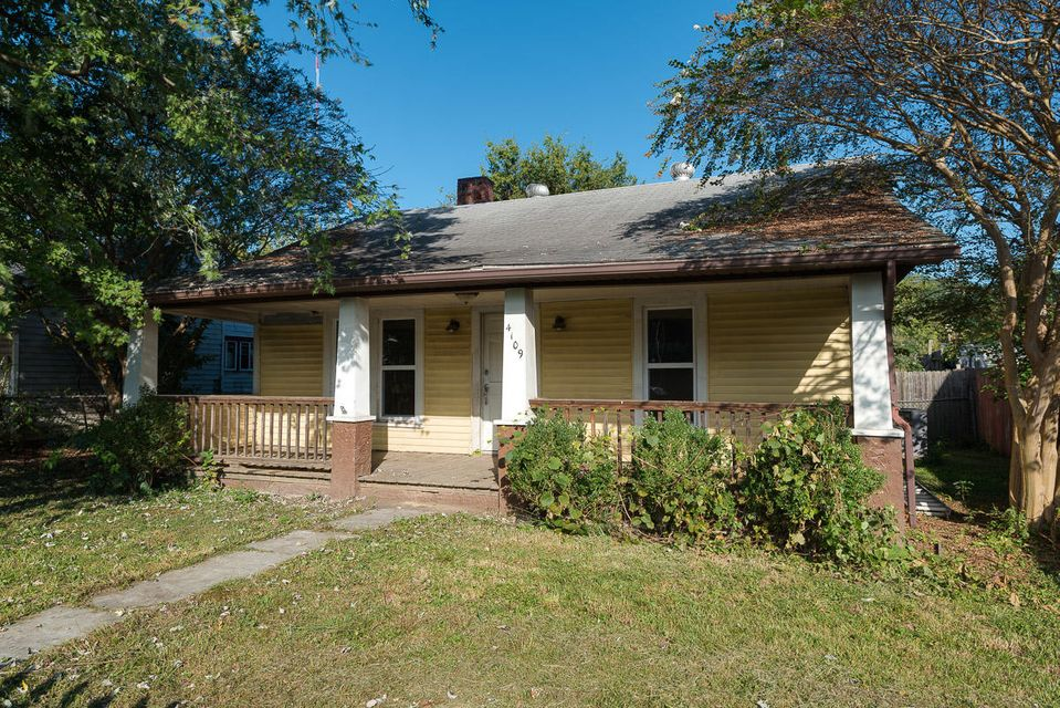 Single Family Home for Sale at 4109 Walker Blvd 4109 Walker Blvd Knoxville, Tennessee 37917 United States