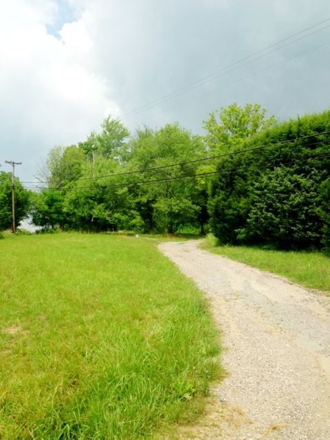 Additional photo for property listing at 7812 Maynardville Pike 7812 Maynardville Pike Knoxville, Tennessee 37938 United States