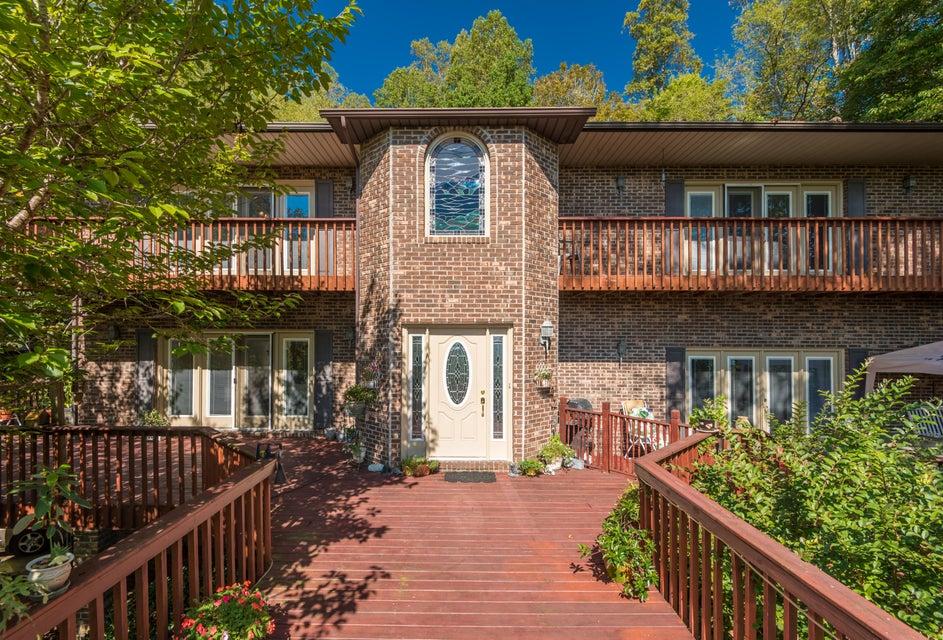 独户住宅 为 销售 在 578 S Shorewood Lane 578 S Shorewood Lane Caryville, 田纳西州 37714 美国