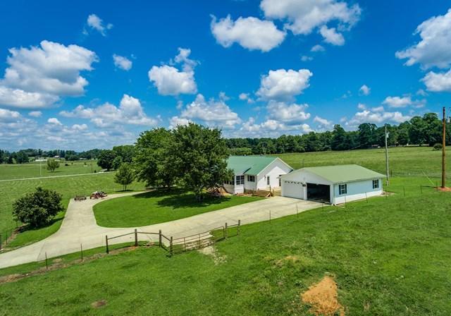 Частный односемейный дом для того Продажа на 122 Bruce Lane 122 Bruce Lane Rickman, Теннесси 38580 Соединенные Штаты