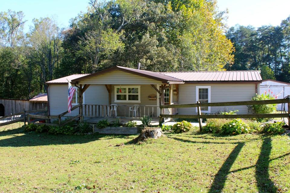 独户住宅 为 销售 在 2895 Banner Springs Road 2895 Banner Springs Road Jamestown, 田纳西州 38556 美国