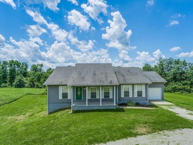 Частный односемейный дом для того Продажа на 1039 Old Grimsley Road 1039 Old Grimsley Road Grimsley, Теннесси 38565 Соединенные Штаты