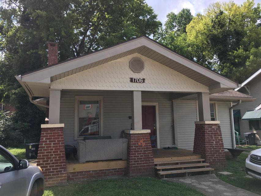 Additional photo for property listing at 1706 Highland Avenue 1706 Highland Avenue Knoxville, Tennessee 37916 Estados Unidos