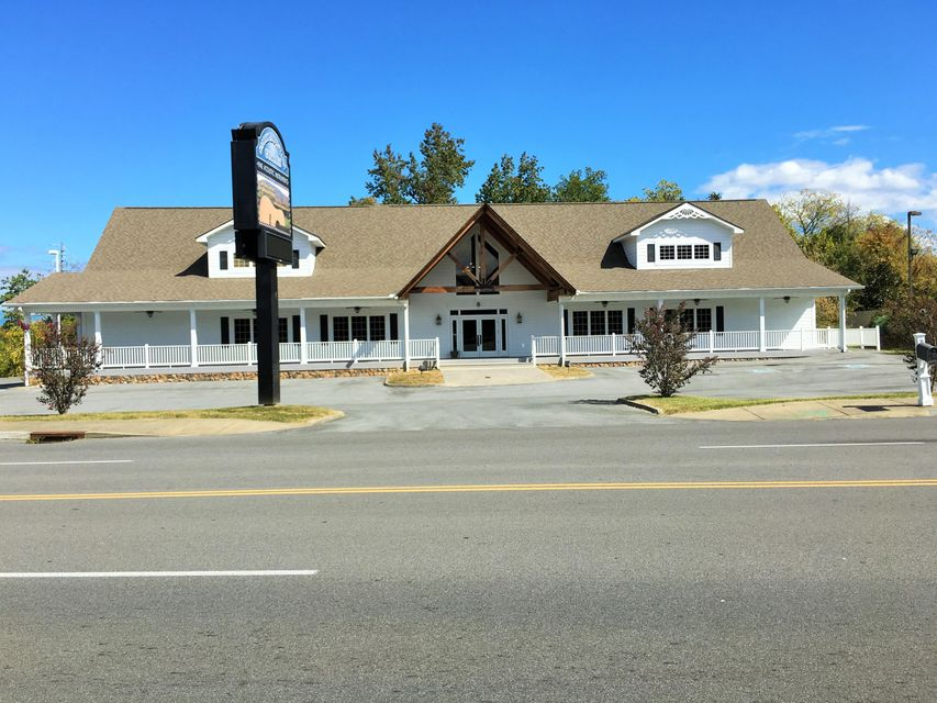 Commercial for Sale at 2520 Sand Pike Blvd 2520 Sand Pike Blvd Pigeon Forge, Tennessee 37863 United States