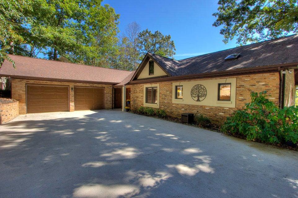 Частный односемейный дом для того Продажа на 117 Cheeskogili Way 117 Cheeskogili Way Loudon, Теннесси 37774 Соединенные Штаты