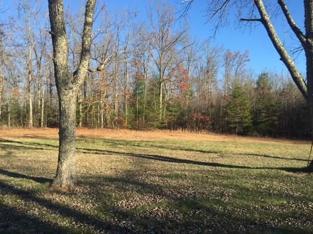 Additional photo for property listing at 7 Gibson Lane 7 Gibson Lane Lancing, Tennessee 37770 États-Unis