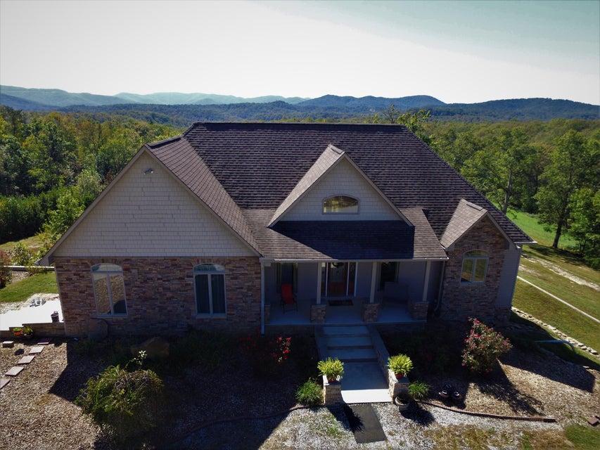 独户住宅 为 销售 在 1922 Ridge Road 1922 Ridge Road Robbins, 田纳西州 37852 美国