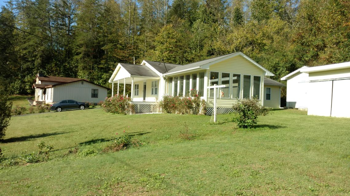 Single Family Home for Sale at 3448 Briceville Hwy 3448 Briceville Hwy Briceville, Tennessee 37710 United States