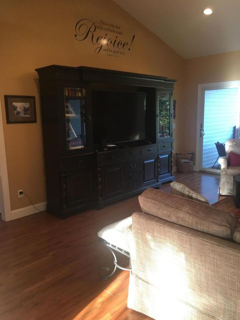 Additional photo for property listing at 581 Oak Road 581 Oak Road Jamestown, Tennessee 38556 United States