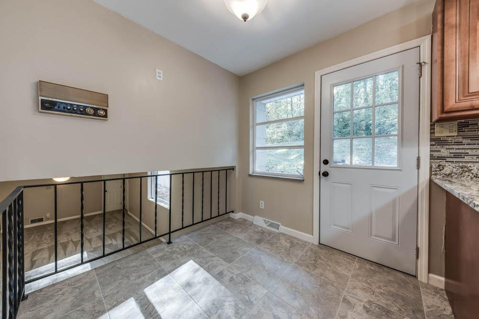 Additional photo for property listing at 6904 Millertown Pike 6904 Millertown Pike 诺克斯维尔, 田纳西州 37924 美国