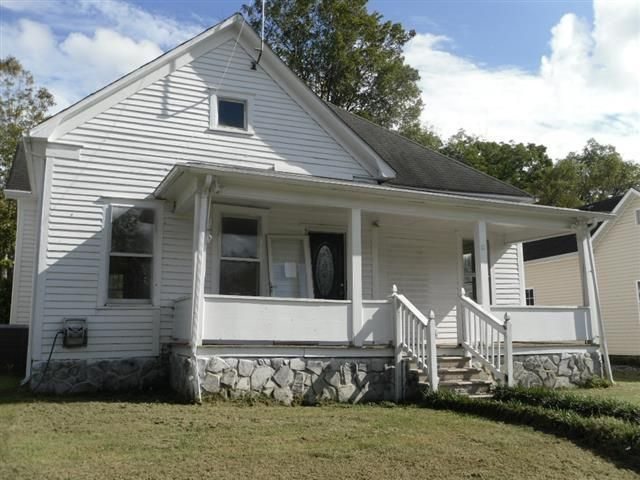 Single Family Home for Sale at 407 Pennsylvania Avenue 407 Pennsylvania Avenue Etowah, Tennessee 37331 United States