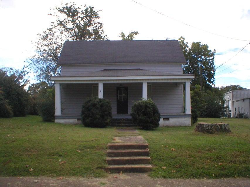 Maison unifamiliale pour l Vente à 30 Athens Street West 30 Athens Street West Englewood, Tennessee 37329 États-Unis