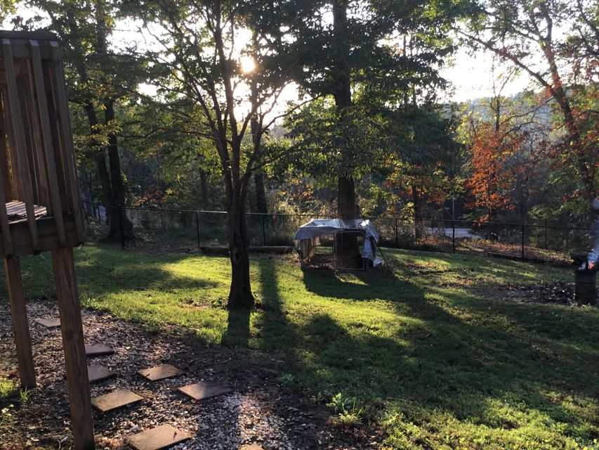 Additional photo for property listing at 652 Johnson Road 652 Johnson Road Kodak, Tennessee 37764 États-Unis