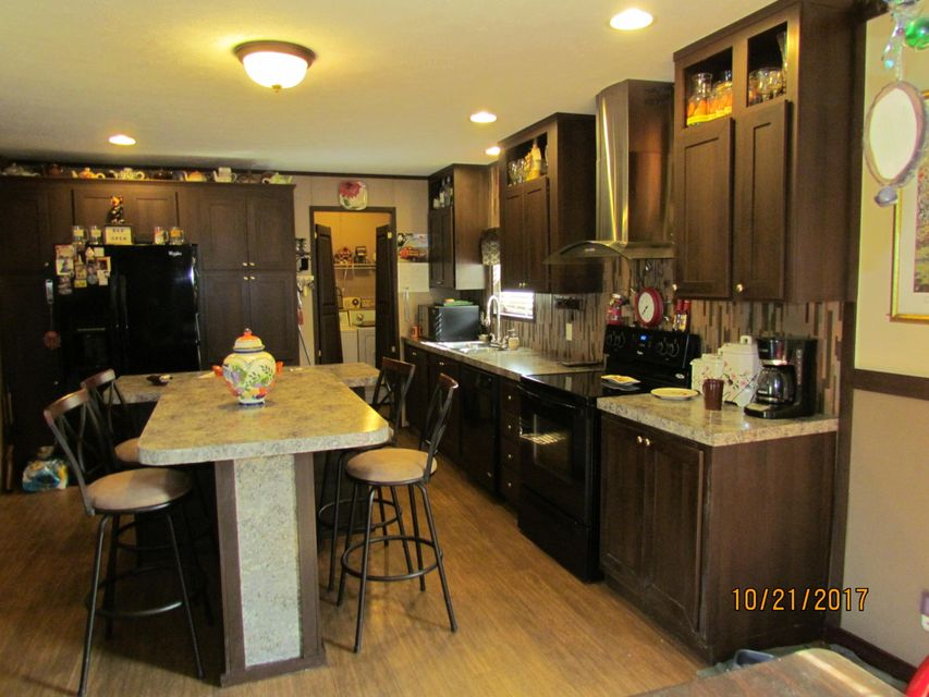 Additional photo for property listing at 881 Littleton Drive 881 Littleton Drive Loudon, Tennessee 37774 United States