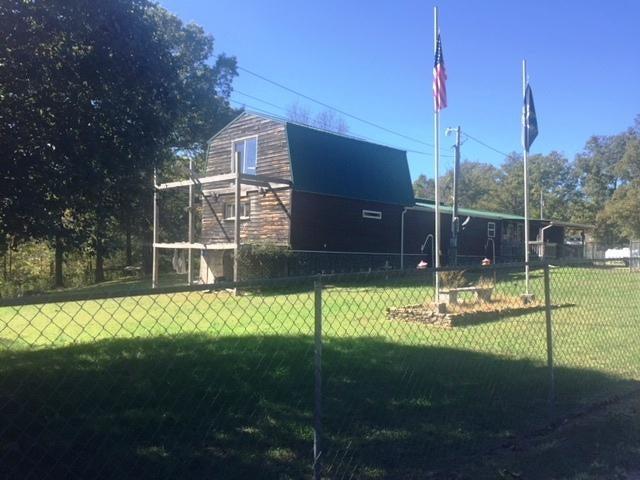独户住宅 为 销售 在 221 Reagan Lane 221 Reagan Lane Robbins, 田纳西州 37852 美国