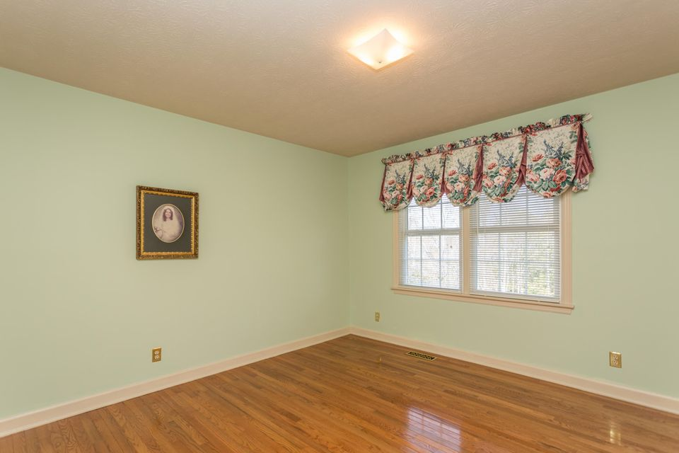 Additional photo for property listing at 604 Vista Drive 604 Vista Drive Clinton, Tennessee 37716 United States