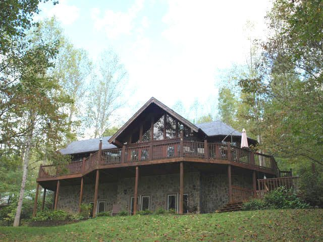 Single Family Home for Sale at 156 E Leatherwood Drive 156 E Leatherwood Drive Walland, Tennessee 37886 United States