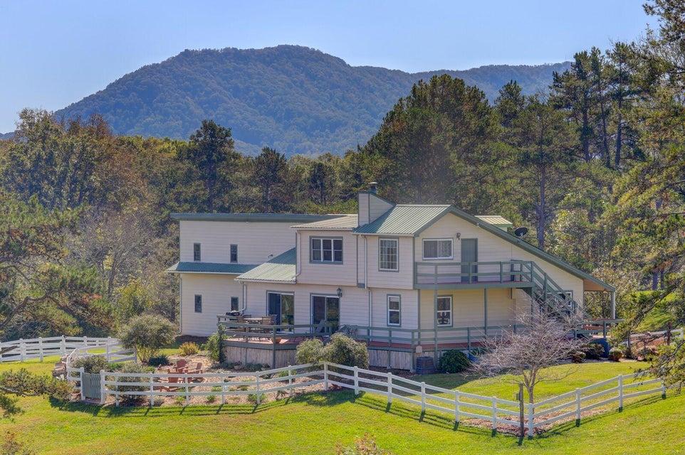 Casa Unifamiliar por un Venta en 180 Booker Lane 180 Booker Lane Luttrell, Tennessee 37779 Estados Unidos