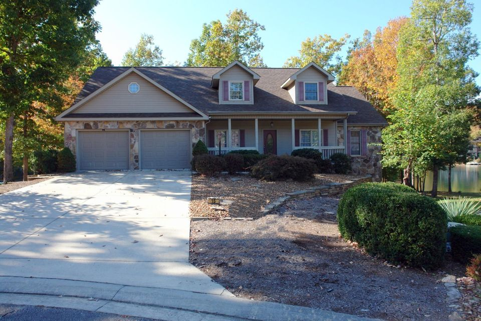 Casa Unifamiliar por un Venta en 15 Hampton Point 15 Hampton Point Fairfield Glade, Tennessee 38558 Estados Unidos