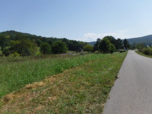 Additional photo for property listing at 12.37ac. Jared Road Road 12.37ac. Jared Road Road Sparta, Tennessee 38583 États-Unis