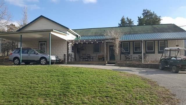 Single Family Home for Sale at 4020 Mtn Valley Highway 131 4020 Mtn Valley Highway 131 Thorn Hill, Tennessee 37881 United States