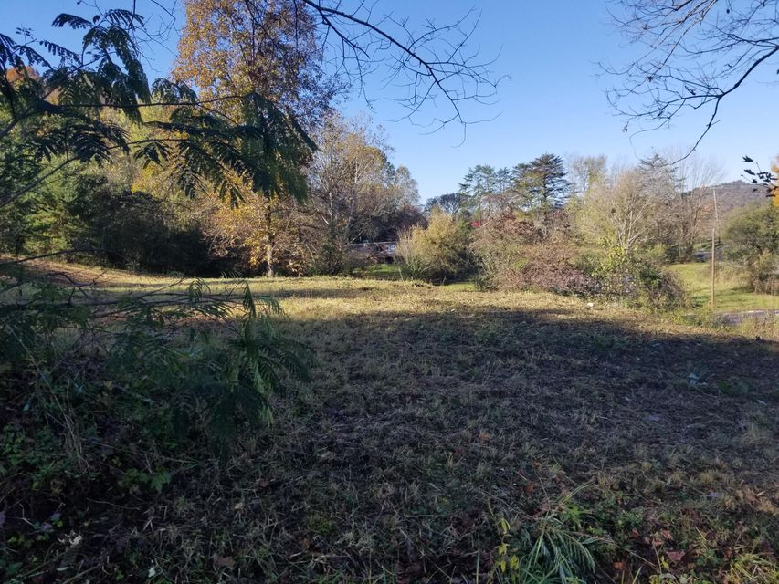 Land for Sale at 1429 S S. Main Streetreet Street 1429 S S. Main Streetreet Street Jellico, Tennessee 37762 United States