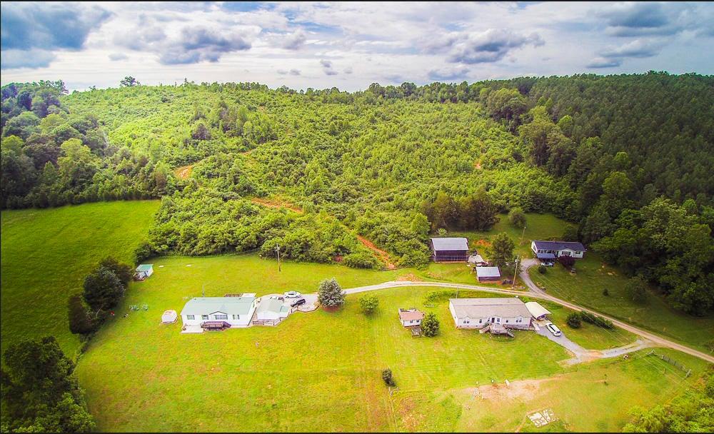 Частный односемейный дом для того Продажа на 1741 Hubbard Road 1741 Hubbard Road Loudon, Теннесси 37774 Соединенные Штаты
