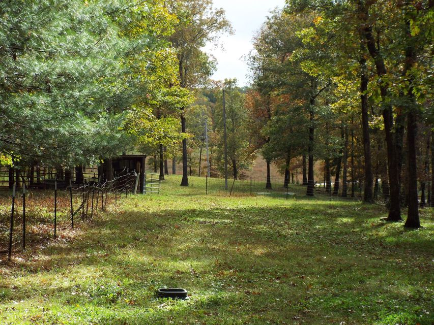 Additional photo for property listing at 1707 Hyder Loop 1707 Hyder Loop Crossville, Tennessee 38571 États-Unis