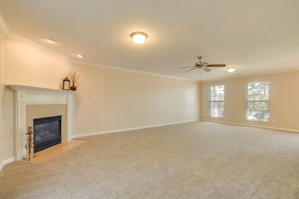 Additional photo for property listing at 705 Dawson Creek Lane 705 Dawson Creek Lane Knoxville, Tennessee 37922 Estados Unidos