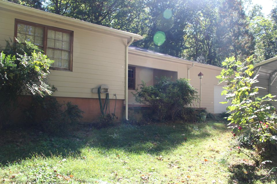 Single Family Home for Sale at 292 County Road 293 292 County Road 293 Philadelphia, Tennessee 37846 United States