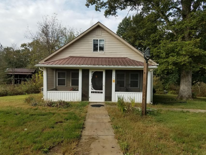 Single Family Home for Sale at 1306 Old Allardt Road 1306 Old Allardt Road Jamestown, Tennessee 38556 United States