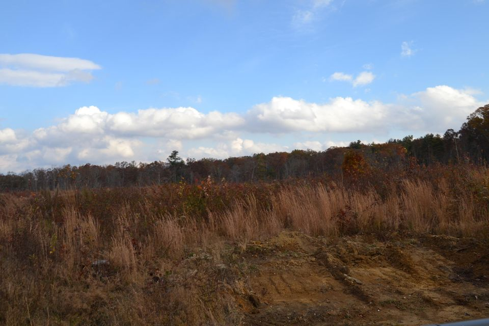 Additional photo for property listing at Dale Clingham Road Dale Clingham Road Crossville, Tennessee 38572 États-Unis