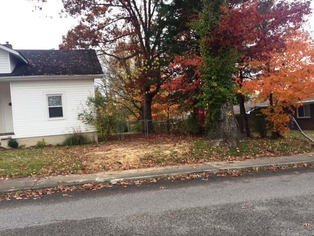 Additional photo for property listing at 176 N Main Street 176 N Main Street Oneida, Tennessee 37841 États-Unis