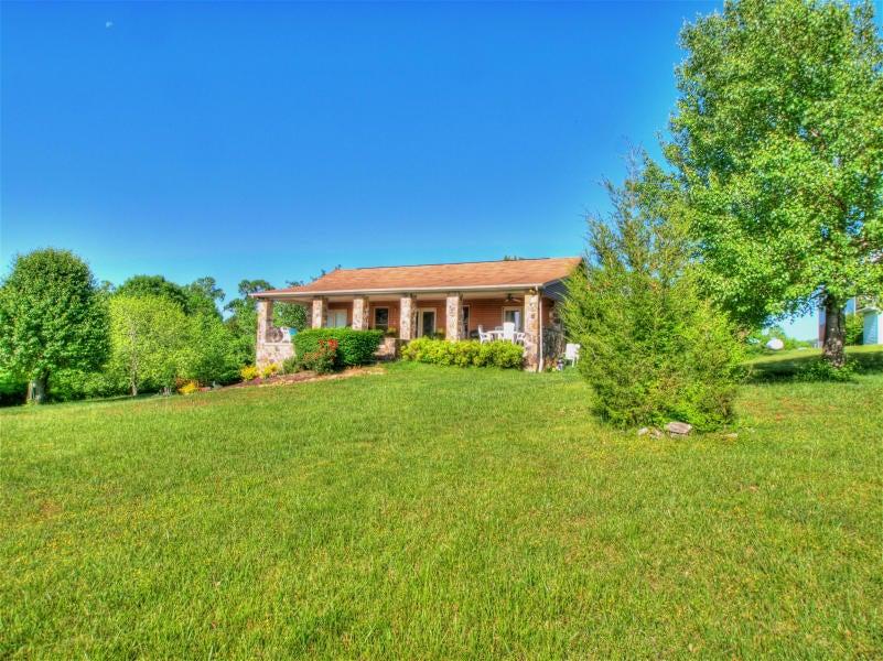 独户住宅 为 销售 在 171 Hatt Lane 171 Hatt Lane 洛克伍德, 田纳西州 37854 美国