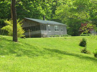 Maison unifamiliale pour l Vente à 12155 Brimstone Road 12155 Brimstone Road Robbins, Tennessee 37852 États-Unis