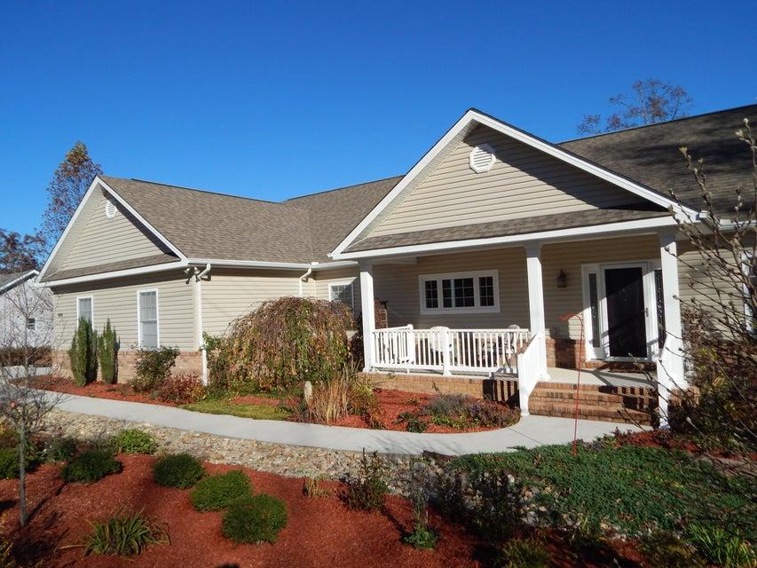 Частный односемейный дом для того Продажа на 484 Peavine Firetower Road 484 Peavine Firetower Road Crossville, Теннесси 38571 Соединенные Штаты